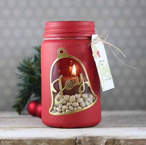 Super cute Mason Jar Christmas candle holder - easy to make and very effective