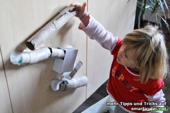 Lustige Murmelbahn aus Papprollen mit den Kids selber bauen