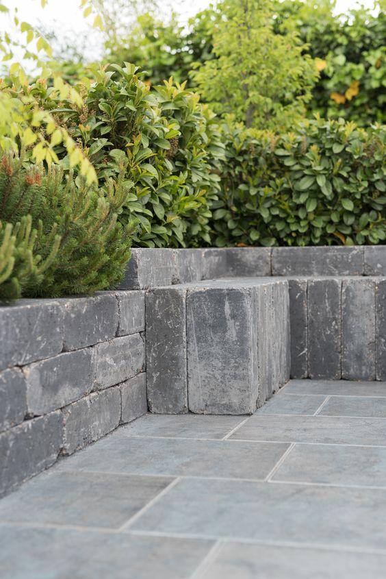 Eine gute Kombination diese ANTIK Mauer mit der 60x40 cm LATIO - mauersteine antik diephaus