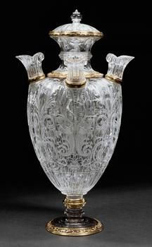 Deckelvase mit vier Mundstücken Giovanni Ambrogio Miseroni (Mailand um 1551/52 - 1616). Mailand um 1610/1615 Bergkristall; Fassung: Silber, vergoldet, Gold, Email.