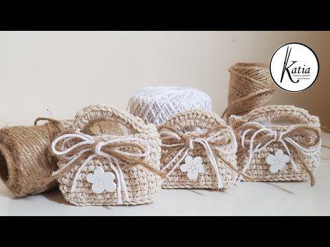 Uncinetto Shabby.Tutorial Uncinetto Mini Borsette Shabby Chic Youtube In 2020 Shabby Chic Crochet Crochet Designs Crochet Gifts