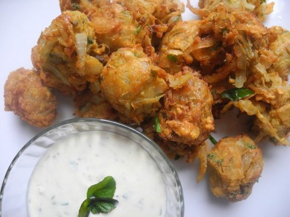 Hope you had a great Diwali! A delicious Onion Bhaji recipe for you to share with your friends and family! http://www.munchrat.com/onion-bhaji/ #onion #indian #diwali #bhaji #celebration #spicy #foodie #food #deepfried #hot #fresh #meltinyourmouth #appetizers