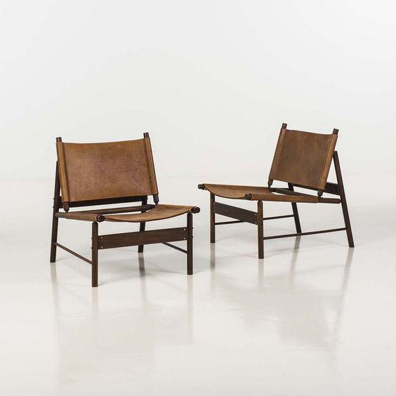Jorge Zalszupin (né en 1922) Paire de fauteuils Palissandre et cuir Edition l'Atelier Date de création : vers 1955 H 73 × L 60 × P 70 cm
