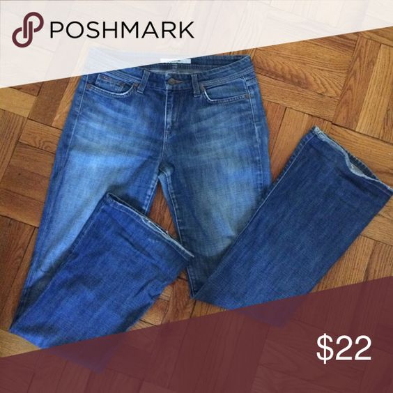 Joes Flares True blue wash. These jeans are awesome! Soft and broken in, there is some wear on the hem. Joe's Jeans Jeans Flare & Wide Leg
