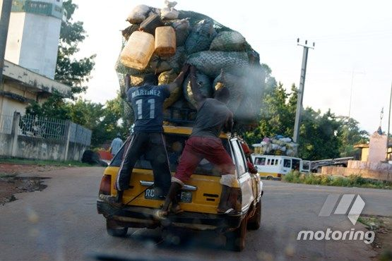 car-packing-overloaded