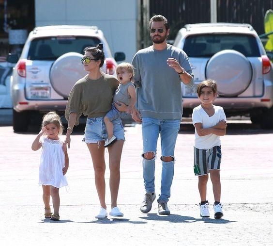 Scott Disick Photos - Kourtney Kardashian and Scott Disick Spend the Day With Their Kids in Malibu - Zimbio