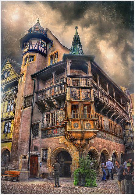 #Maison #Pfister à #Colmar #Alsace Le Parc**** Hôtel, Restaurants & Spa Alsace Obernai Tél 03 88 95 50 08 www.hotel-du-parc.com/ www.facebook.com/leparcobernai