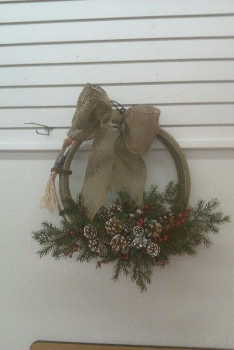 Rope wreath: Ideas, Craft, Rustic Wreaths, Christmas Decorations, Western Wreaths, Mesh Wreaths, Winter Wreaths, Country