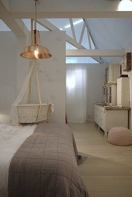 Not necessarly my favorite style---but a hanging basinette! Great idea