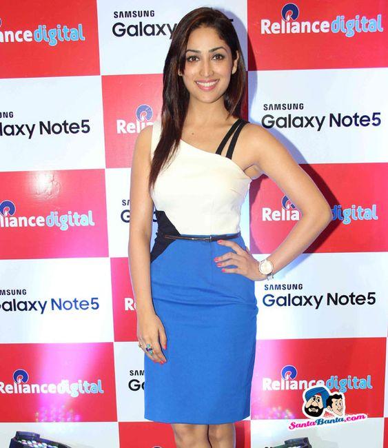 Yami Gautam Unveils Samsung Galaxy Note5 -- Yami Gautam Picture # 318372