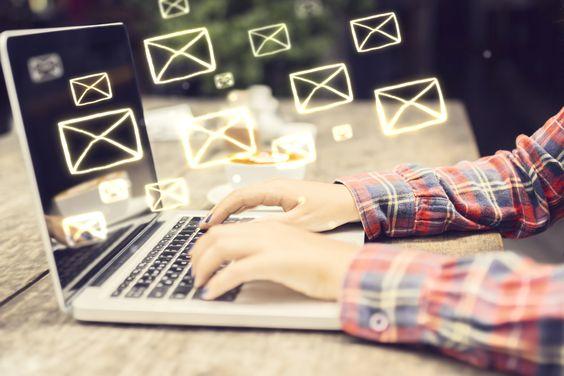 ganar dinero abriendo emails