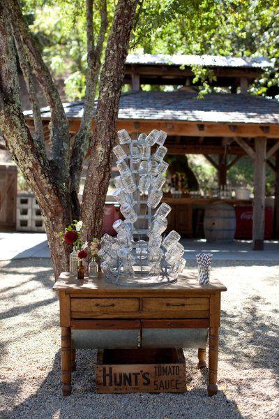 Mason jar tree!! #weddings #rustic #masonjars