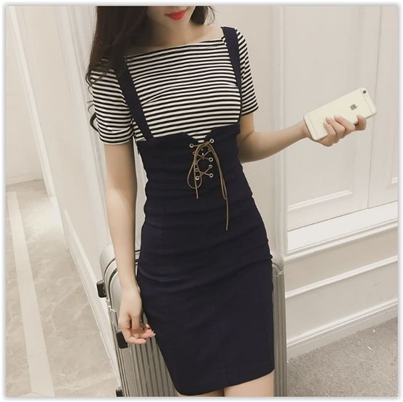 Sakura Rain - Set: Striped T-Shirt + Sheath Jumper Dress