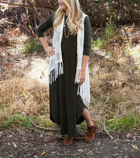 Perfect fall maxi dress with 3/4 sleeve and curved hem detail. Only $21.99 for a limited time on Groopdealz!!