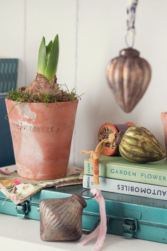 Styling the Seasons by We Made This Home | Apartment Apothecary