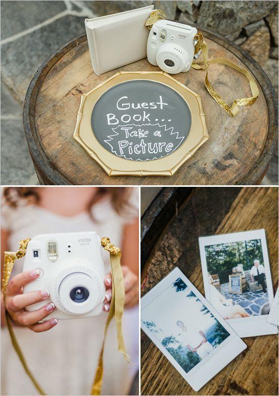 De Fuji Instax - de Polaroid in een nieuwerwets jasje - is niet duur. Voor de gasten leuk om te doen en het geeft je een te gek gastenboek. // Bestel 'm nu! // Fotograaf: JoPhoto // Girls of honour