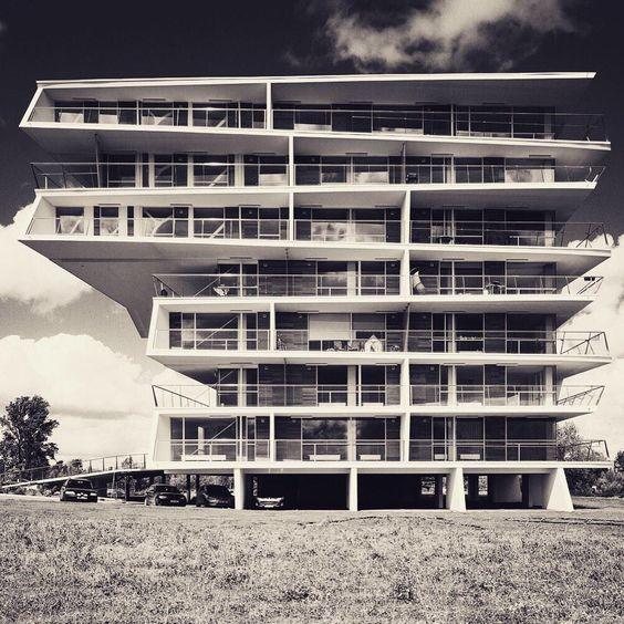 Le corbusier and on pinterest - La villa savoye wikipedia ...