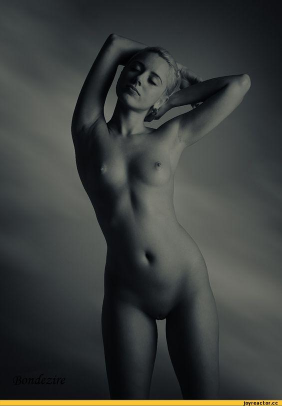 Эротика,красивые фото обнаженных, совсем голых девушек, арт-ню,песочница
