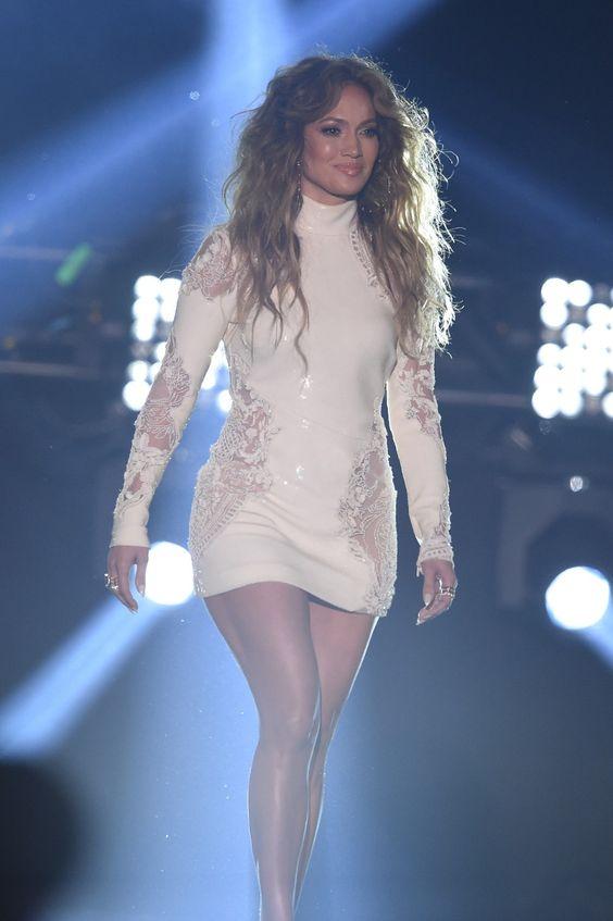 8. Jennifer López