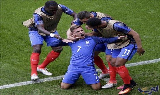 أربعة لاعبين من المنتخب الفرنسي يخضعون لاختبار…: أعلن اليوم الأربعاء، أن 4 لاعبين من المنتخب الفرنسي لكرة القدم ، خضعوا لاختبار الكشف عن…