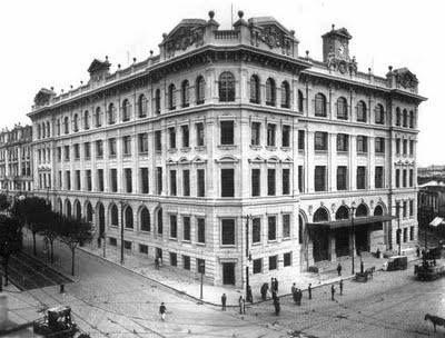 1930 - Correios. A esquerda a avenida São João, diante dos Correios o Vale do Anhangabaú.