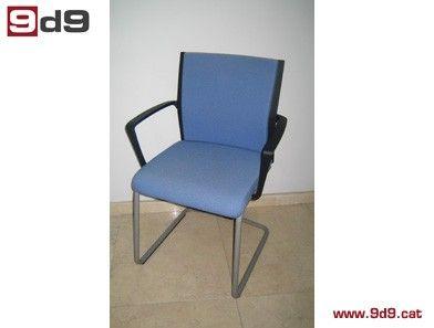 Conjunto de dos sillas de segunda mano de estructura for Sillas con brazos tapizadas