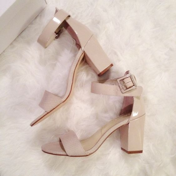 """Calvin Klein pumps Size: 8.5. Super cute. And will be good for any occasions! Love them! Not my size though. Make me an offer! The heel is 3"""". Calvin Klein Shoes Heels"""
