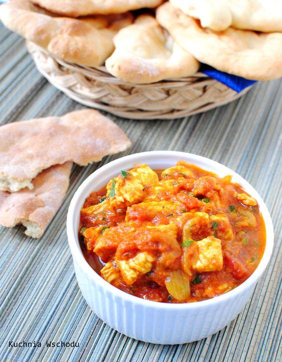 Indyjskie curry pomidorowe z kurczakiem