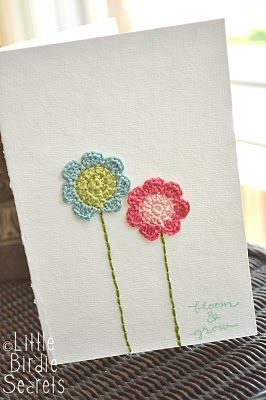 Cute little flowers to crochet for a variety of uses.