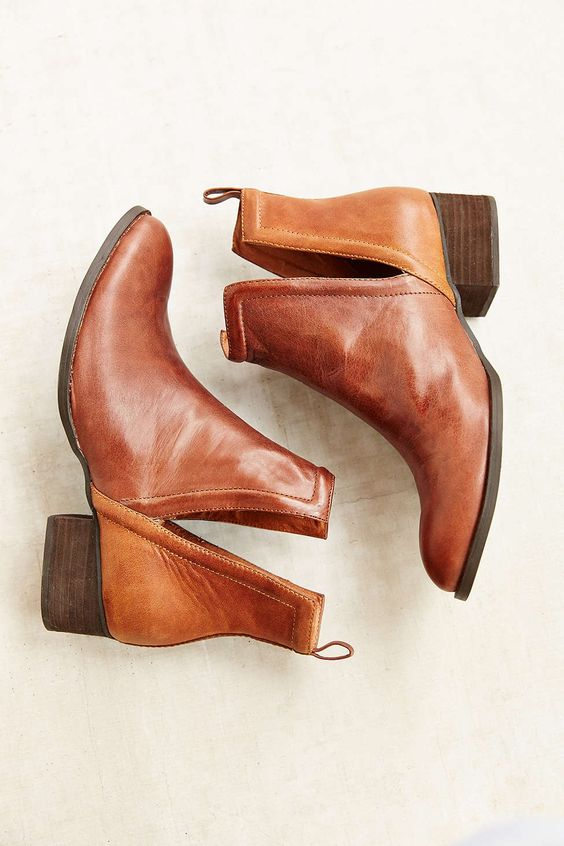 Jeffrey Campbell Leather Muskrat Boot -:
