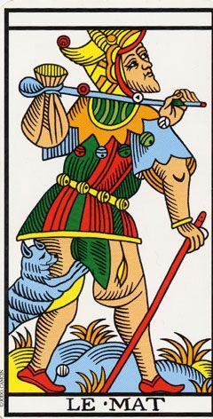 J'aime expérimenter avec plusieurs cartes supplémentaires pour un tirage plus détaillé. #tarot