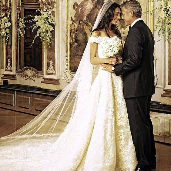 Amal Alamuddin's Oscar de la Renta Wedding Dress: