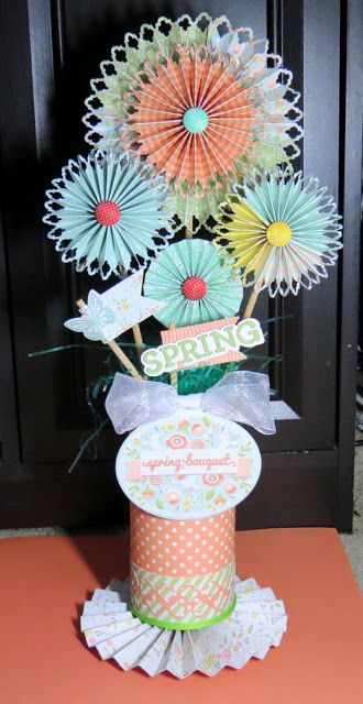 This Spring Centerpiece is the perfect bouquet for any table setting. ##wermemorykeepers #papercrafting: