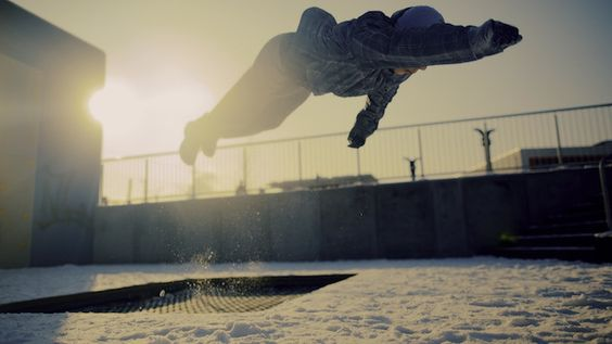 """Parkour in the Snow: """"Schnee Running"""" by Sebastian Linda (Clip)"""
