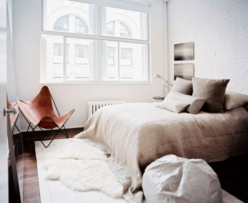 cozy, cozy, cozy.: Interior Design, Bedroom Inspiration, Butterfly Chair, Neutral Bedrooms, White Bedroom