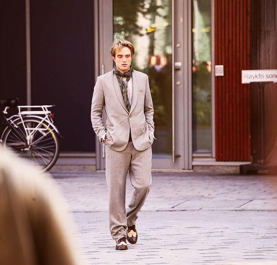 05sep19 Rob Filming Tenet In Oslo Norway Robert Pattinson Robert Pattinson Movies Robert