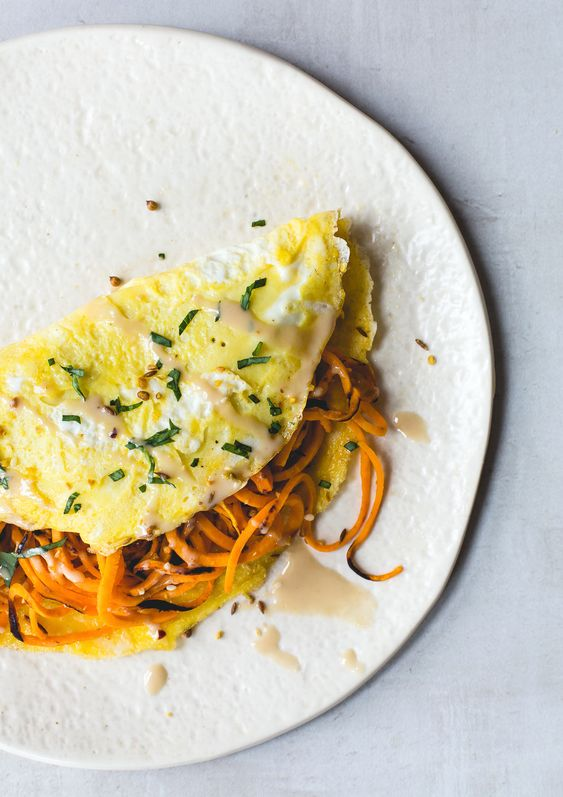 Two Egg Omelet with Spiralized Sweet Potatoes {paleo}:
