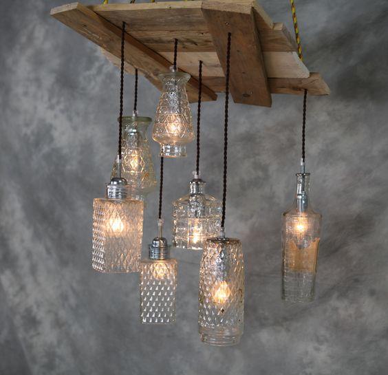 Lampara de techo hecha con madera de derribo y antiguas - Botellas con luces ...