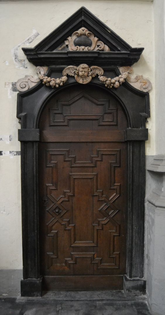Wooden doors doors and cherub on pinterest for Amazing hand carved doors
