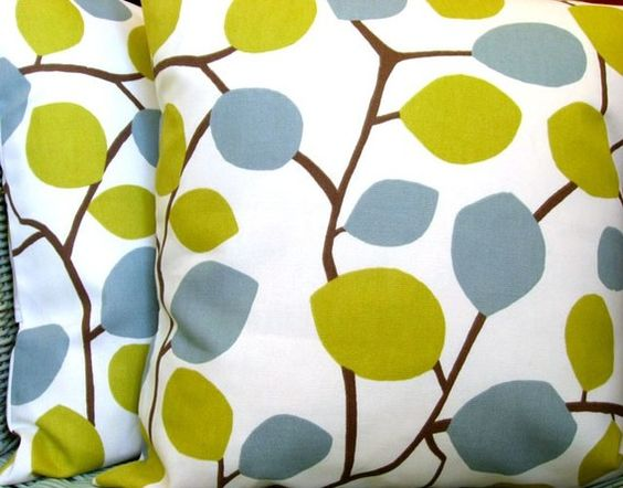 Designer pillow cover - 18x18 pillow cover - Nordic leaves pistachio