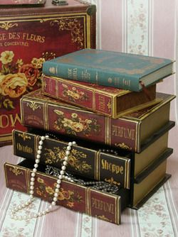 piddlyjunk:    Book jewelry box by Victorian Maiden.: