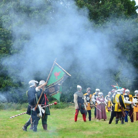 Battle at England's Medieval Festival in Herstmonceux Castle: