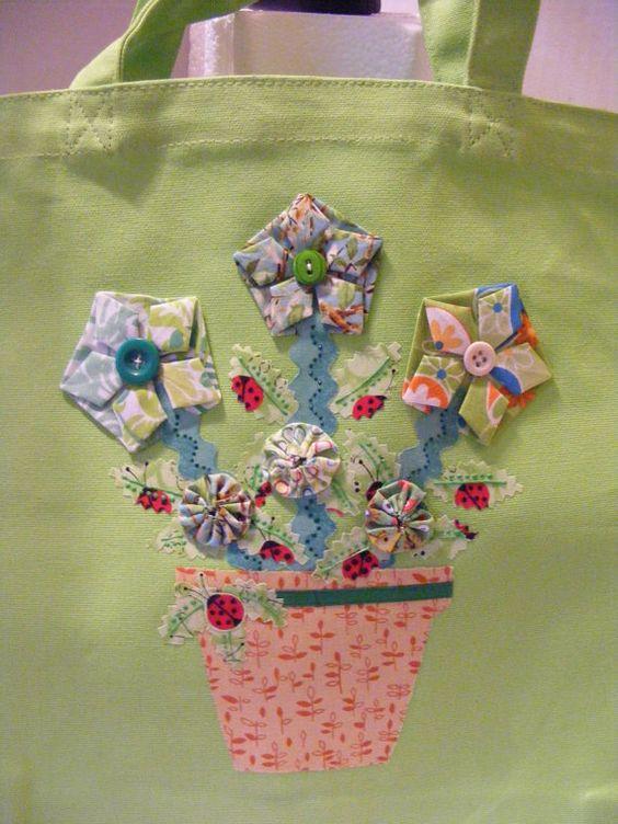 Cute applique bag.  :)