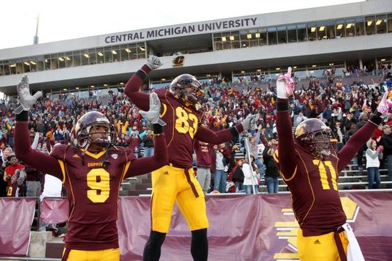 Football Teammates Respond To The Touchdown That Tied The Cmu Vs