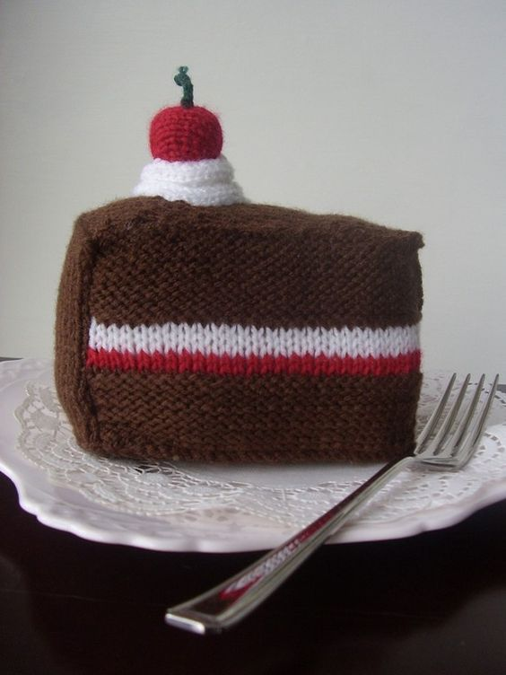 Knitted Cakes Free Patterns : knitting pattern for LARGE Birthday Cake and Gateau pdf Cakes, Birthday cak...