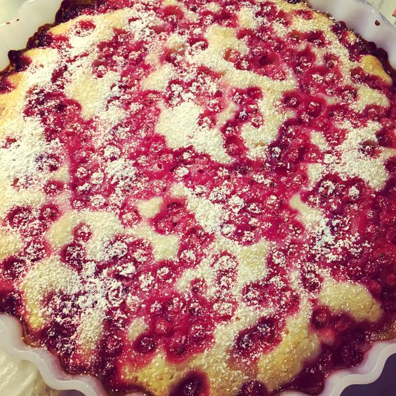 Red currant cake at Lena's
