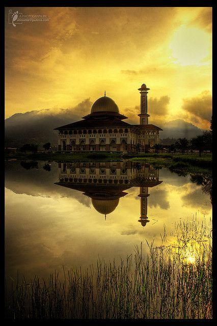 Darul Quran JAKIM, Kuala Kubu Bharu, Selangor, MALAYSIA. by von AnNamir™