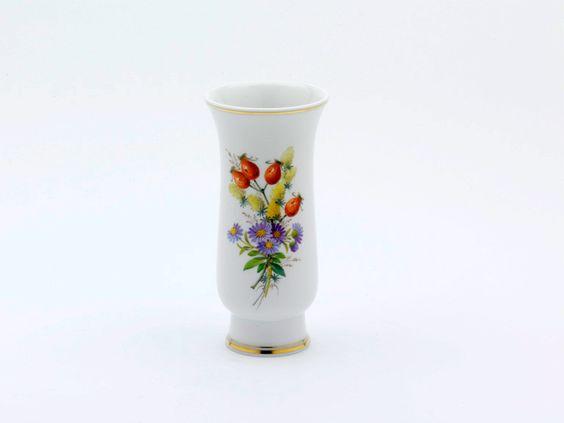 Vase, Blume naturalistisch, m.Schmetterling, Sondersignet, Golddekoration, H 14 cm
