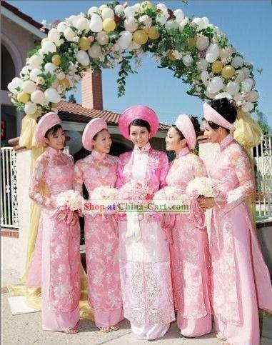 traditional Vietnamese bride wedding dress