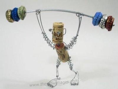 こんな発想力がほしい!日用品だけで作った「針金の芸術」15の画像
